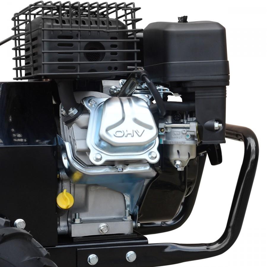 kraftvoller 4-Takt-Motor mit 212ccm Hubraum