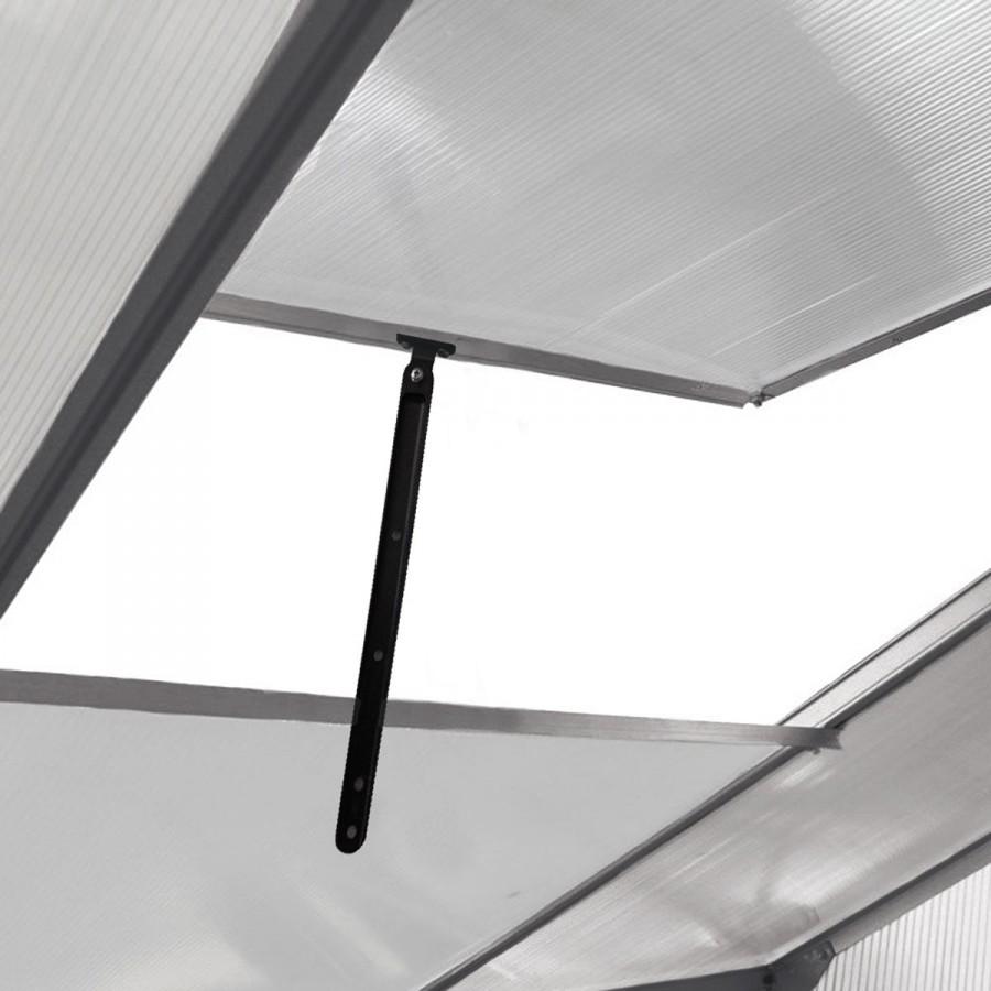 Extra viele, höhnverstellbare Fenster für beste Luftzirkulation