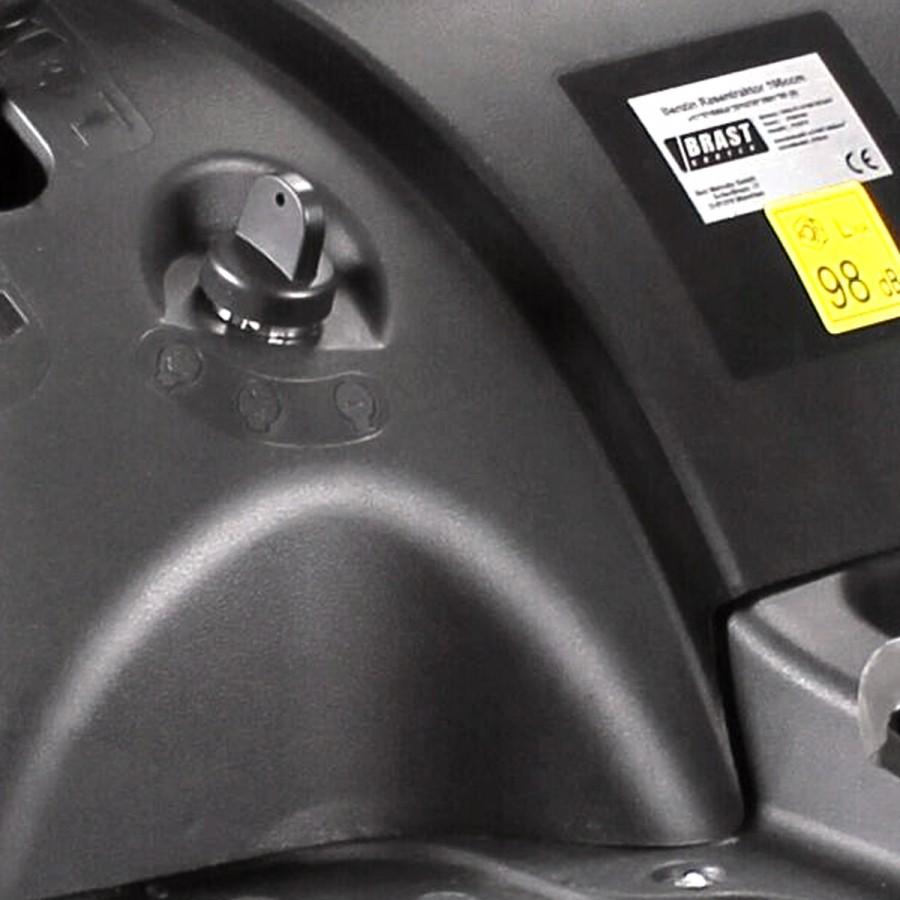 mit bequemem Elektrostart-System: Einfach Anlasserschlüssel drehen und schon startet der Motor
