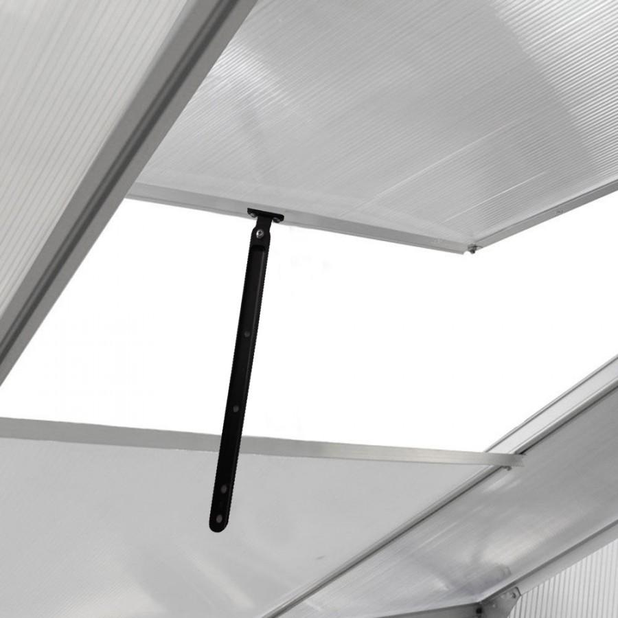 6 höhenverstell- und fest verschließbare Fenster für beste Luftzirkulation