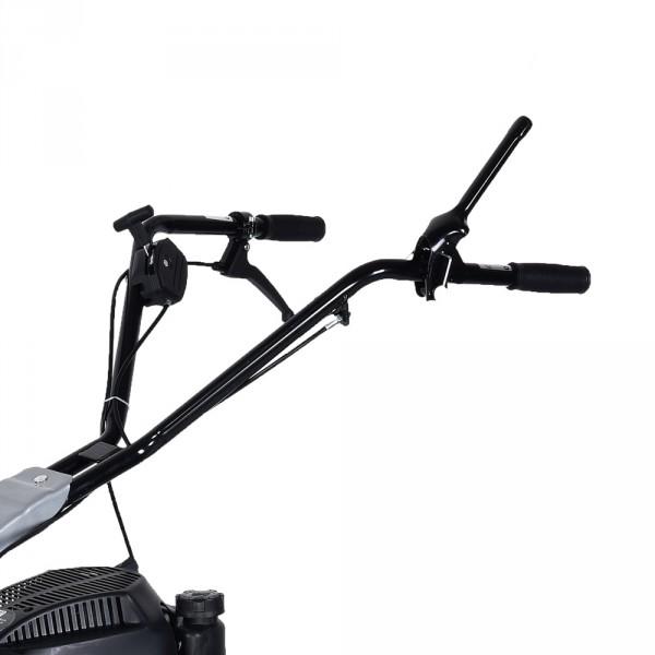 Cockpit mit zentraler Einhand-Bedienung von Räder-Selbstantrieb sowie Antrieb des Balkenmessers