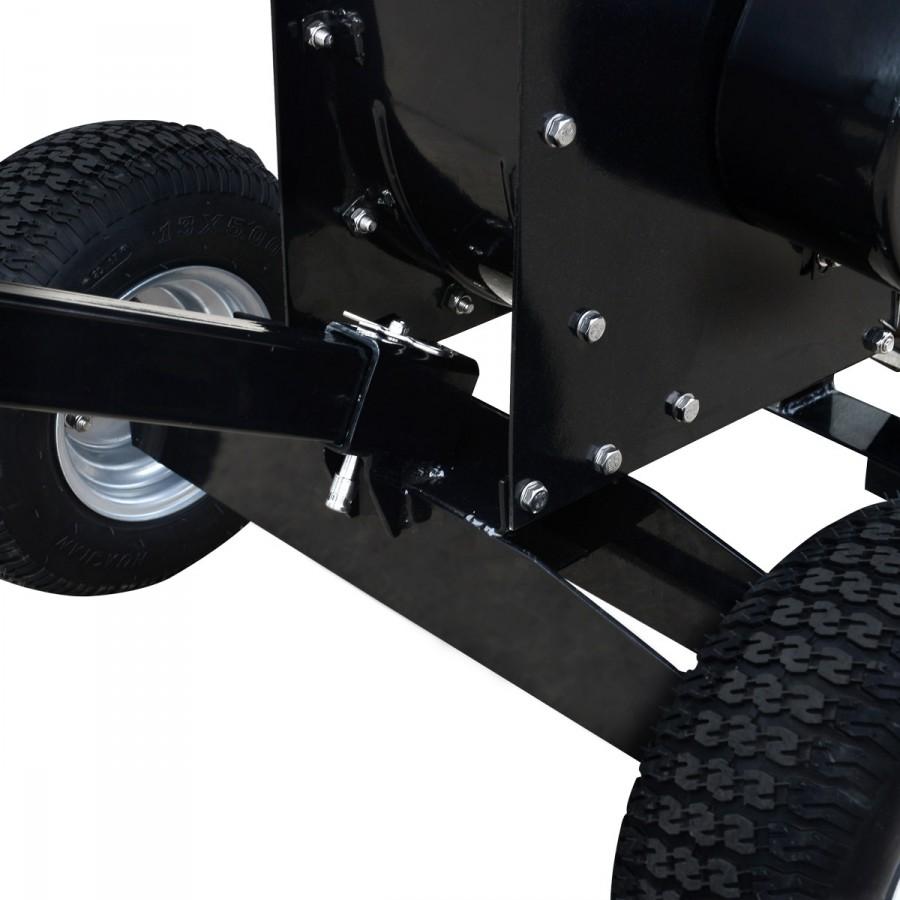 breites, stabiles Fahrwerk sowie 104kg Gewicht für sicheren Stand