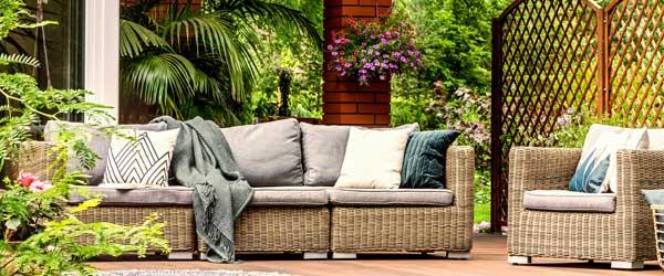 genießen Sie den Sommer in Polyrattan Gartenmöbeln